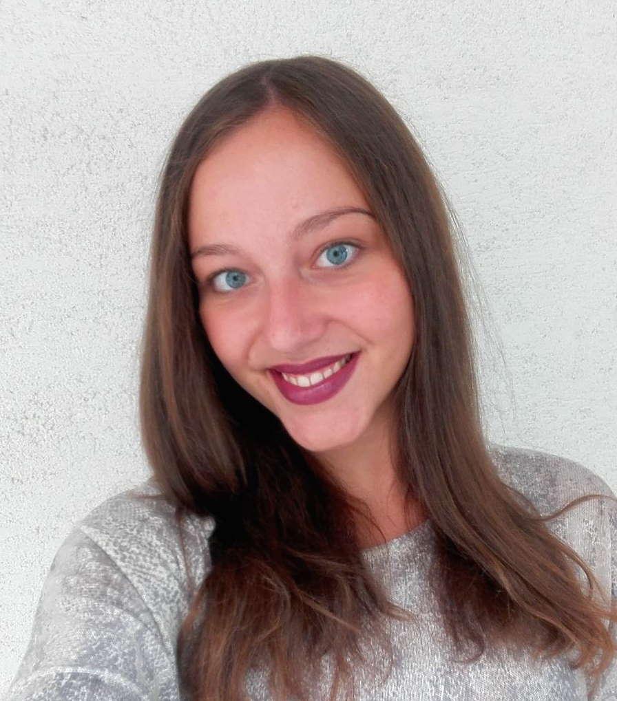 Angela Delevska - asistente projektesh