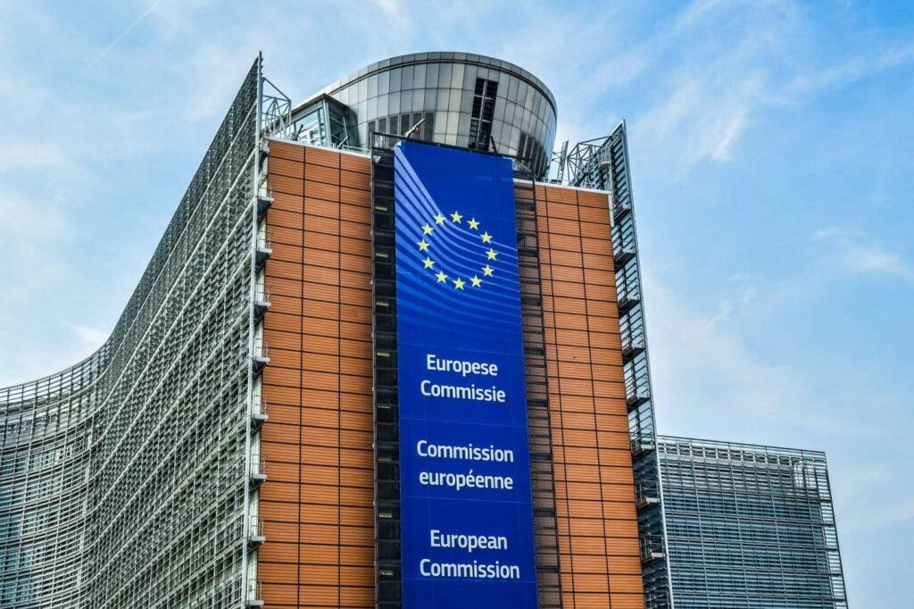 Напредок во клучните области, слабости во капацитетот за координација на пристапниот процес и ЕУ средствата